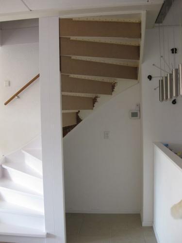 Trapkast maken van dichte trap in de woonkamer  Werkspot