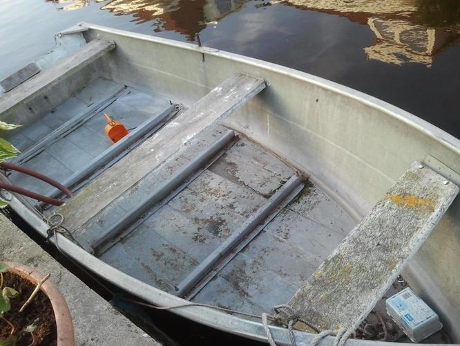 vlonder en achterspiegel in aluminium boot vernieuwen