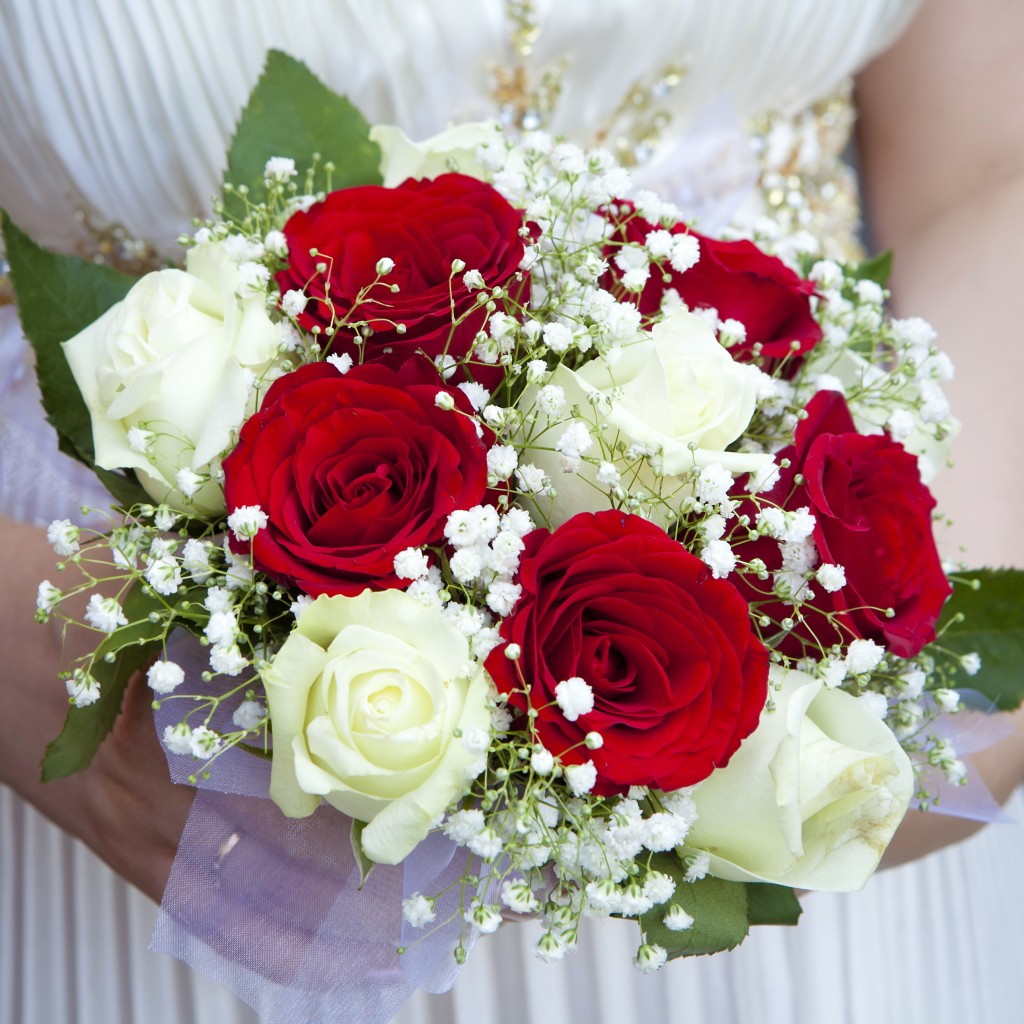 Beautiful Bridal Bouquets Inspired by Valentines Day  Confettiie