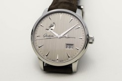Senator Excellence Panorama Date Moon Phase.