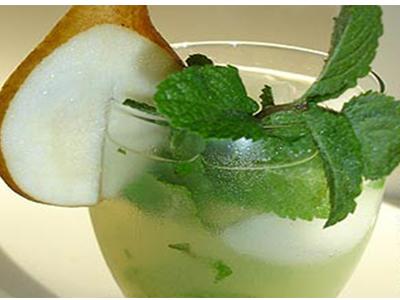 Preparación de Mojito de pera