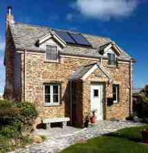Small Homes Under 100m Homebuilding & Renovating