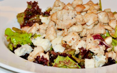Tavuk, Gorgonzola ve Cevizli Salata