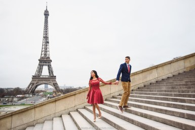Couple Photosession at the Eiffel tower. Paris photographer