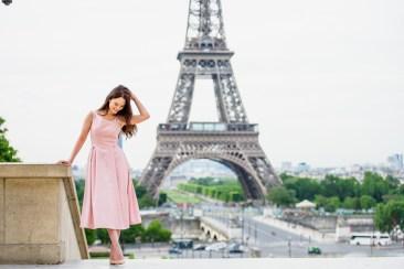 Фотосессия для девушки в Париже. Эйфелева башня