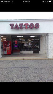 Tattoo Shops In Zanesville Ohio : tattoo, shops, zanesville, House, Maple, Zanesville,, Tattoos, Piercing, MapQuest