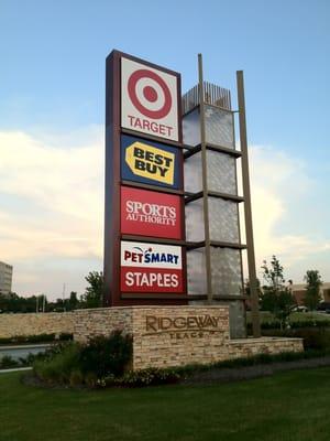 Ridgeway Shopping Center : ridgeway, shopping, center, Ridgeway, Trace, Shopping, Center, Poplar, Memphis,, Centers, Malls, MapQuest