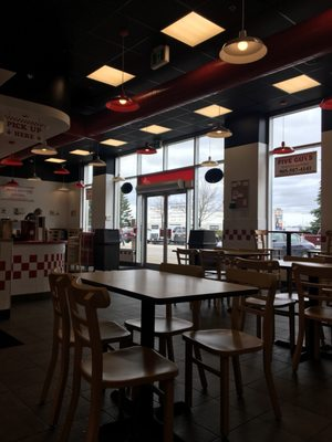 Five Guys Opening Times in Mississauga, ON