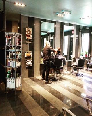 B Montréal Opening Times in Montréal, QC