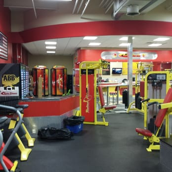 Retro Fitness 25 Photos 105 Reviews Gyms 32 32 49th St Astoria Astoria Ny United States Phone Number Yelp