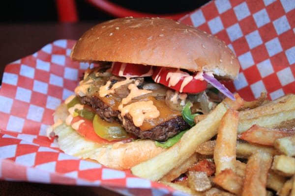 Burger Bass Opening Times in Toronto, ON