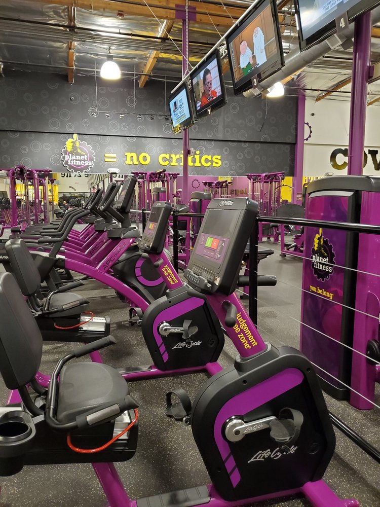 Planet Fitness Faces Outrage Over Viral Photo of Ad