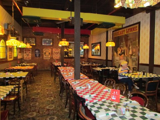 Spaghetti Warehouse Opening Times in Pittsburgh, PA