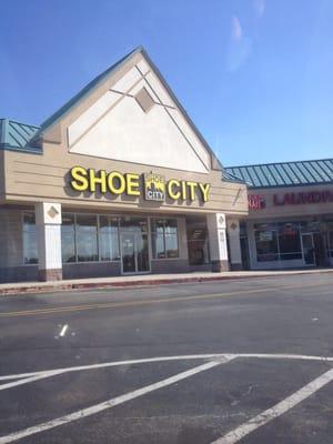 Shoe City Reisterstown Plaza : reisterstown, plaza, Cleanleigh, Parkville,, General, Merchandise, Retail, MapQuest