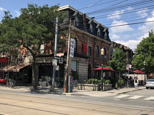 Death & Taxes Free House Opening Times in Toronto, ON