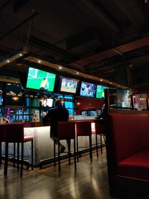 Anchor Bar Square One Opening Times in Mississauga, ON