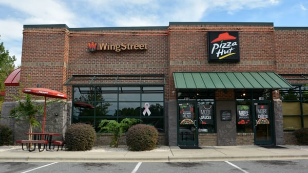 Pizza Hut Opening Times in Concord, NC