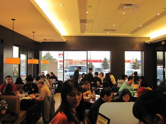 Max's Restaurant Opening Times in Concord, ON