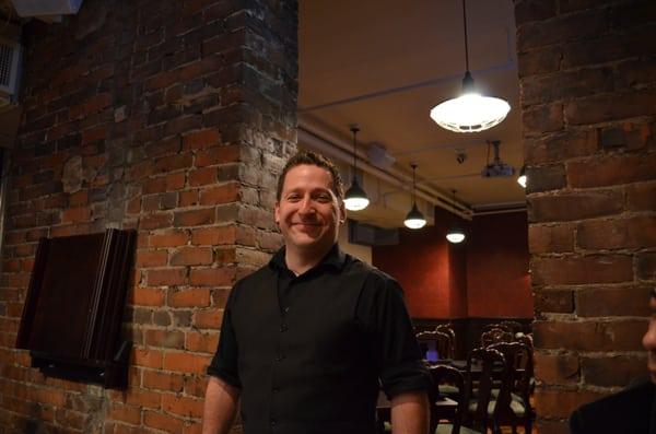 McGugan's Opening Times in Toronto, ON
