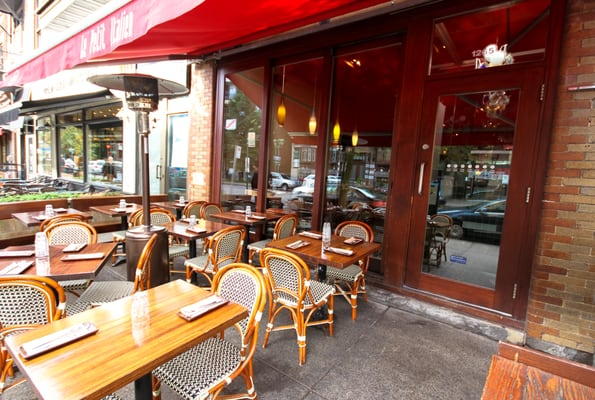 Le Petit Italien Opening Times in Outremont, QC