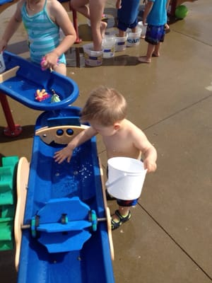 Buffalo Grove Splash Pad : buffalo, grove, splash, Spray, Mchenry, Buffalo, Grove,, Playgrounds, MapQuest