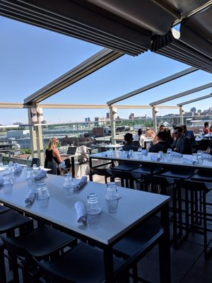 Terrasse William Gray Opening Times in Montréal, QC