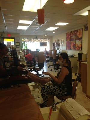 Nail Salon Pawtucket Ri : salon, pawtucket, Suzy's, Salon, Central, Pawtucket,, Manicurists, MapQuest