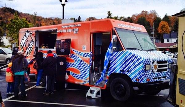 Das Food Truck - Schnitzel Truck Opening Times in Montréal, QC