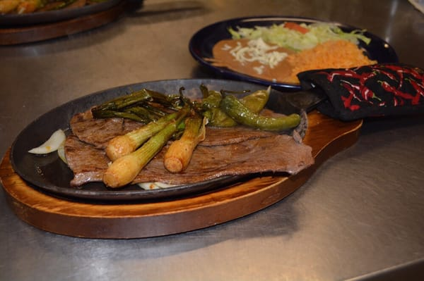 Las Dos Fronteras Opening Times in Cleveland, OH