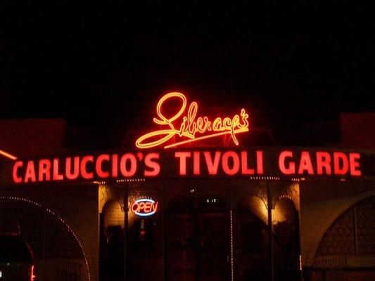 Carluccio's Tivoli Gardens Opening Times in Las Vegas, NV