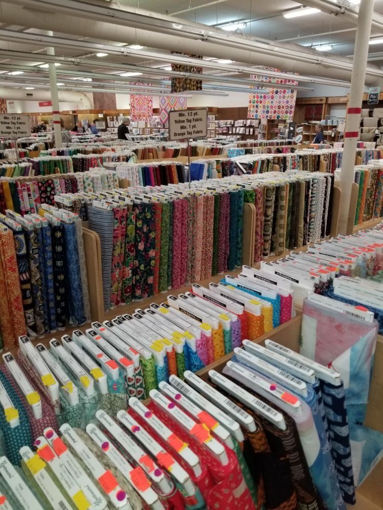 Sewing Stores Near Me : sewing, stores, Hancock's, Paducah, Updated, COVID-19, Hours, Services, Photos, Reviews, Fabric, Stores, Hinkleville, Paducah,, Phone, Number