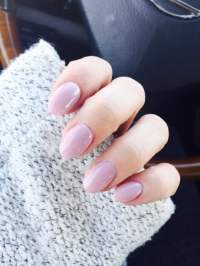Natural oval shape acrylic nails with gel color in short ...