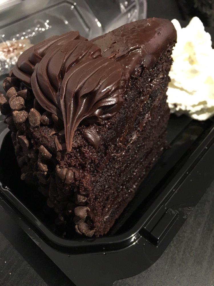 Cheesecake Factory Lindas Fudge Cake