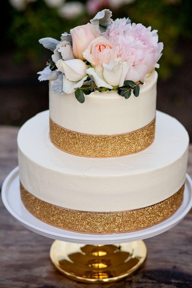 Small Red Unique Velvet Wedding Cakes