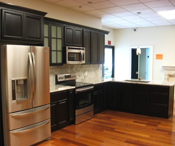 Black Chocolate Maple Cabinets with Crystal White