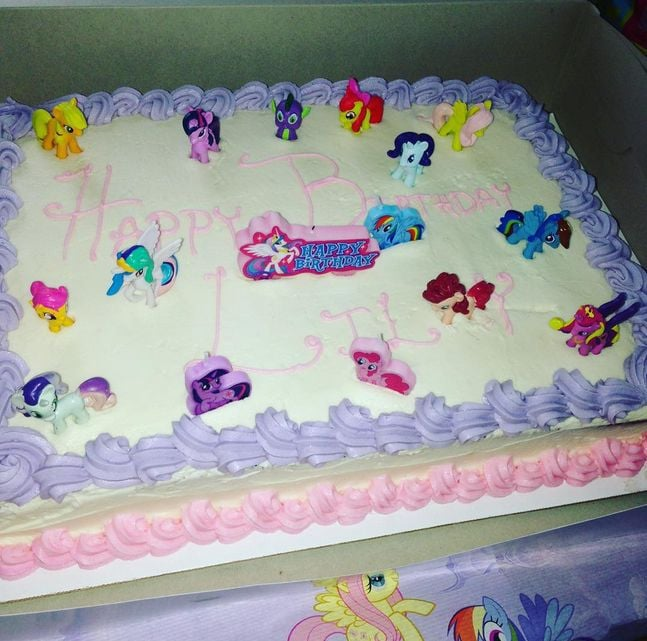 Incredible 7 Year Old Birthday Cakes The Cake Boutique Funny Birthday Cards Online Alyptdamsfinfo
