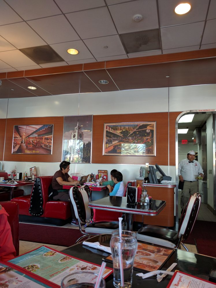 Rubys Restaurant Seating