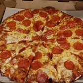 Round Table Pizza - 31 Photos & 57 Reviews - Pizza - 1175 ...