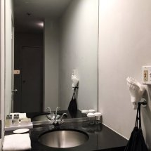 Large Bathroom Mirror And Modern Details. - Yelp