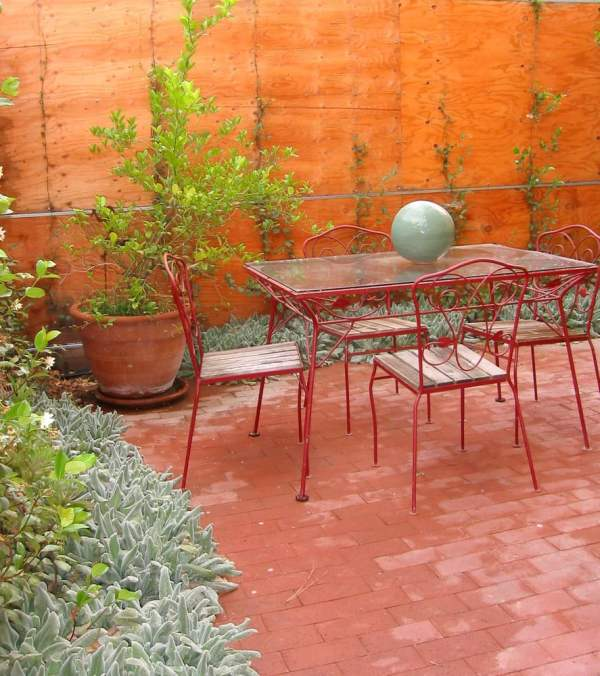 maintenance patio hideaway