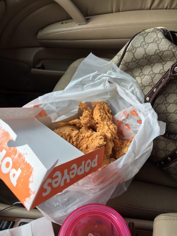 Fast Food Restaurants Near 02907
