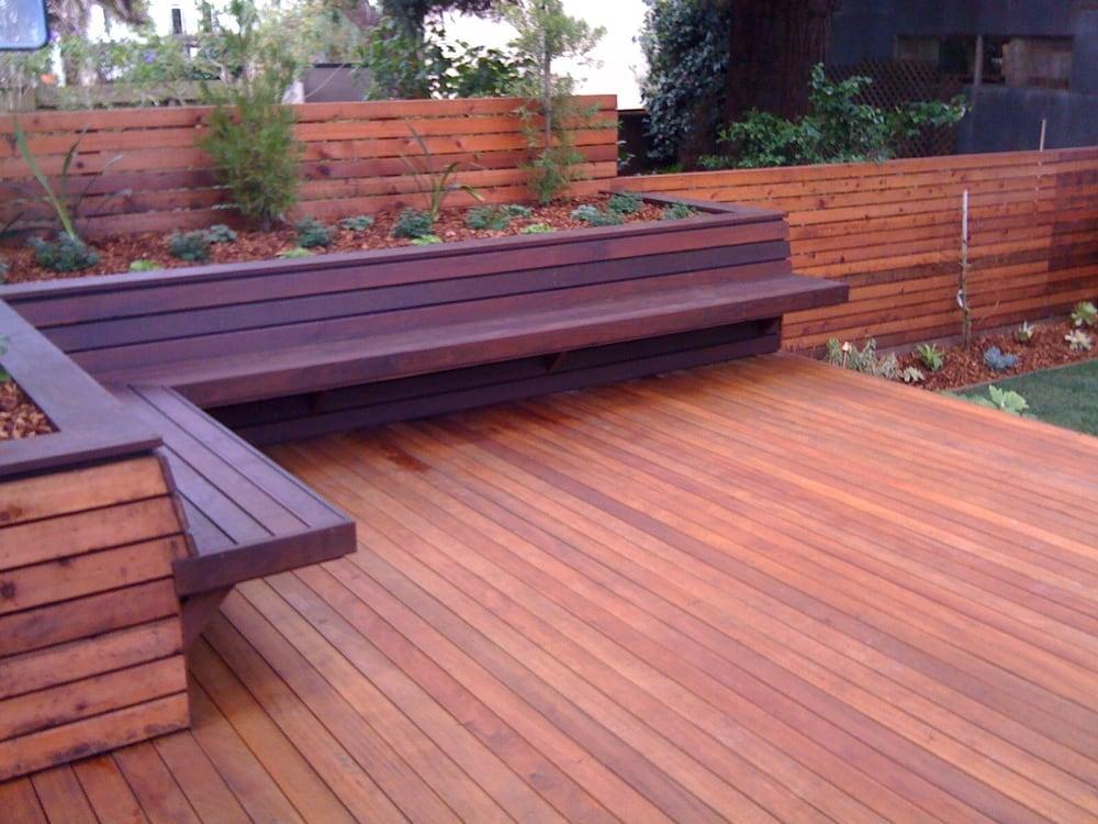 deck of garapa bench