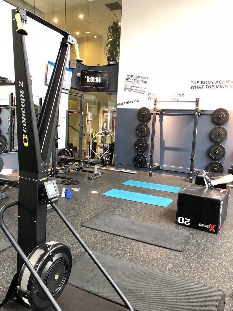 La Fitness Bellevue Wa : fitness, bellevue, Sweat, Equity, Bellevue,, Giftly