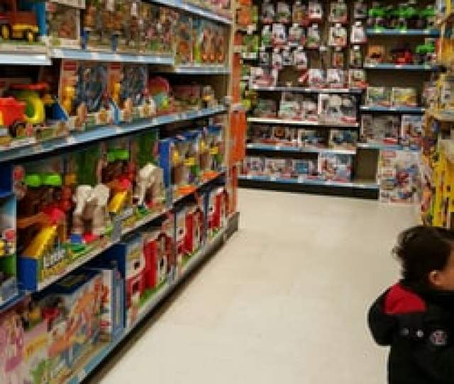 Toys R Us Closed 10 Reviews Toy Stores 634 Ridgewood Ave Paramus Nj Phone Number Yelp