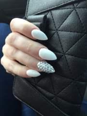 white mountain peak nails