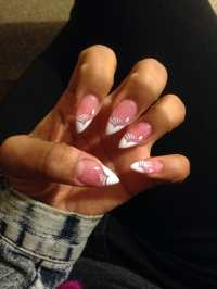 Pointy nails with airbrush design