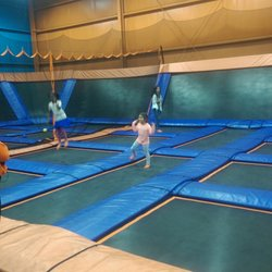 Sky Zone Trampoline Park 14 Reviews Trampoline Parks