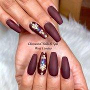 diamond nails & spa - 1685