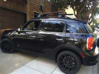 Mini Countryman with Rockymounts BrassKnuckles on Thule ...