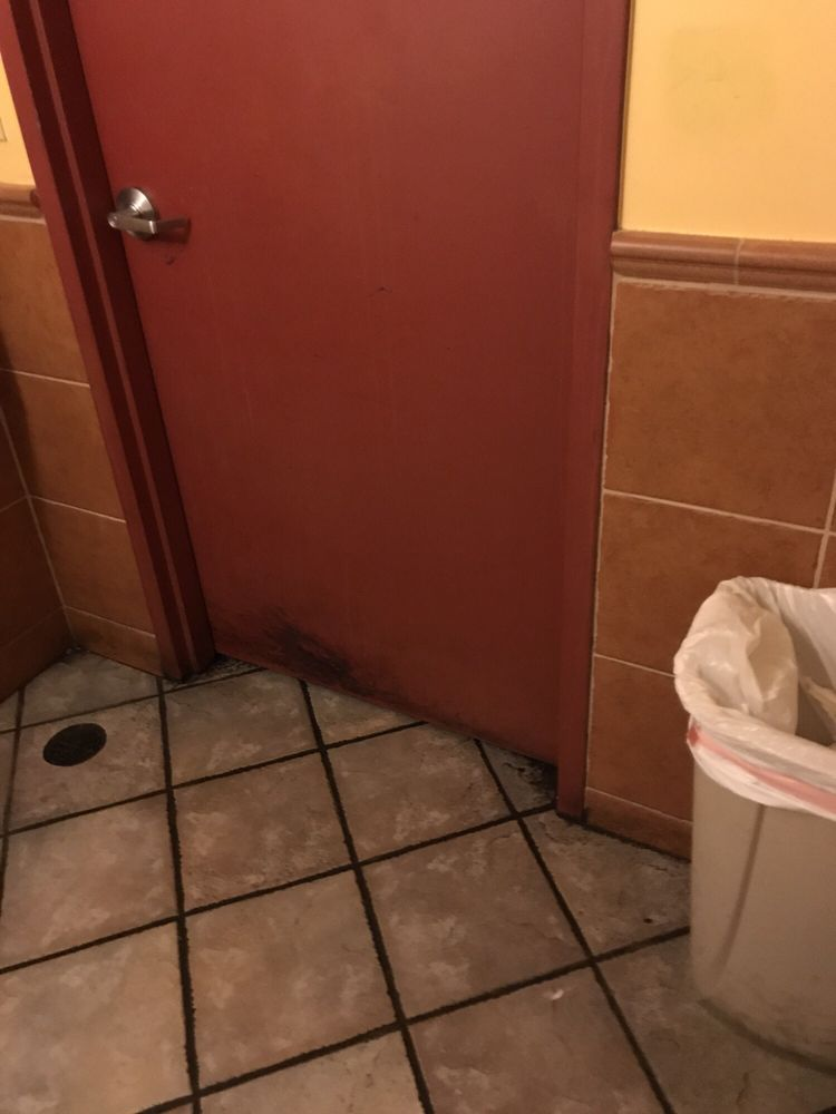 Female bathroomsticky floor smells bad  Yelp